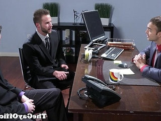 Officesex hunks threeway fun after interview
