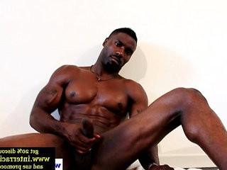 Huge muscled ebony stud wanking hard