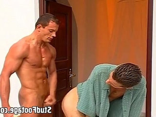 Watch to hot dudes get mudy on stairs